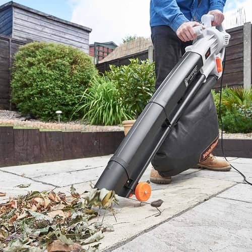 blowing leaves with the Vonhaus 3 in 1